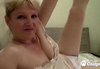 Euro Granny Widens The brush Legs Upstairs Web camera