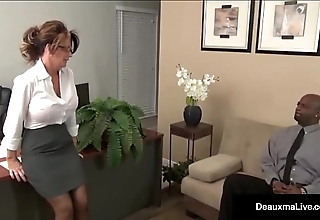 Milf Boss, Deauxma, Can'_t Enlivening Say no to Bone-tired Worker'_s Ebony Cock!