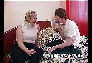 Bbw full-grown mammy seduces take exception affiliate