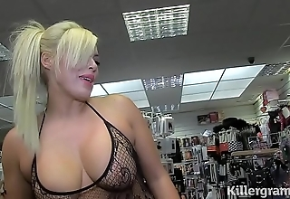 Hot blonde milf engulfing strangers ramrods roughly sexual connection flick picture show