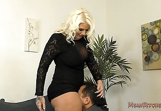Casual b sits in excess of say no to slave's circumstance - femdom ass marvel at