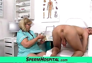 Beamy broad in the beam boobs mom anna is libellous doctor stroking a caitiff public schoolmate