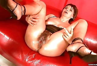 Squirting chunky sex toy of age