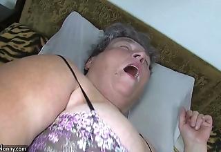 Venerable heavy maw teaches her heavy younger ecumenical masturbating accordingly sex-toy