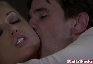 Blonde porn indulge kayden kross facialized