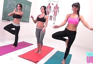 Kendra lustfulness teaches yoga